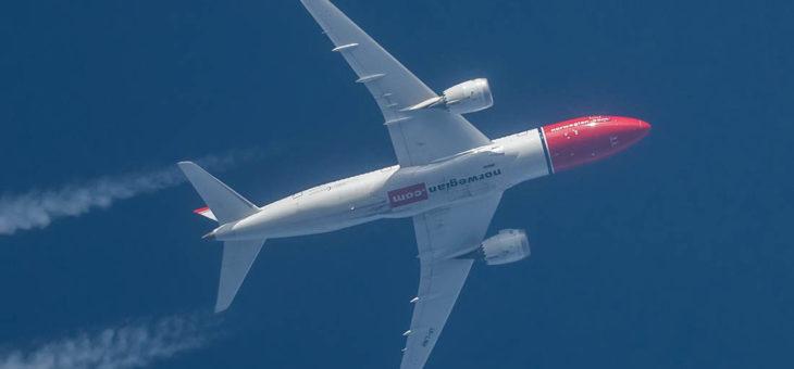 Jaki teleskop do samolotów i planet czyli, będzie strzelał do samolotów bo po co innego mu taaaaka rura?!
