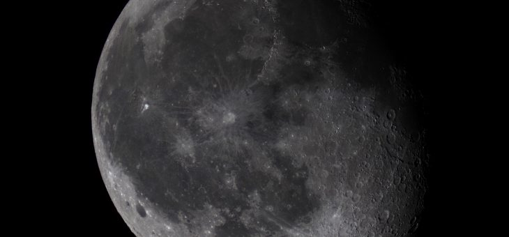 Jak ekonomicznie ukraść Księżyc i dostać jeszcze Saturna w gratisie